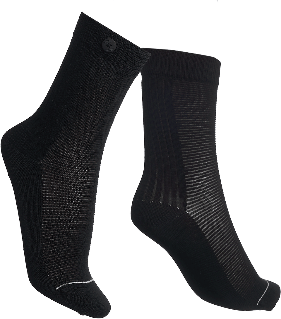 Qnoop Organic Ribbed Socks in Black
