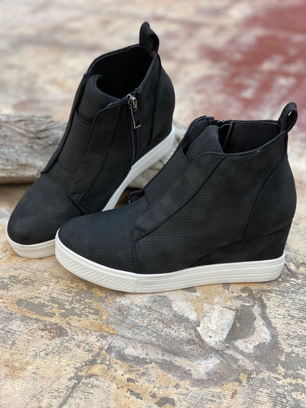 754 Zoey Black Wedge Sneaker