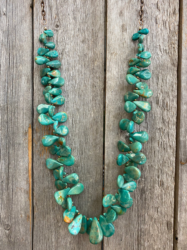 17070 Kingman Teardrop Petal Turquoise Necklace