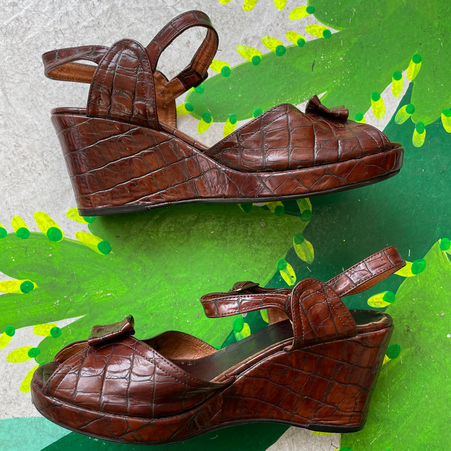 1940s Gator peep toe wedges