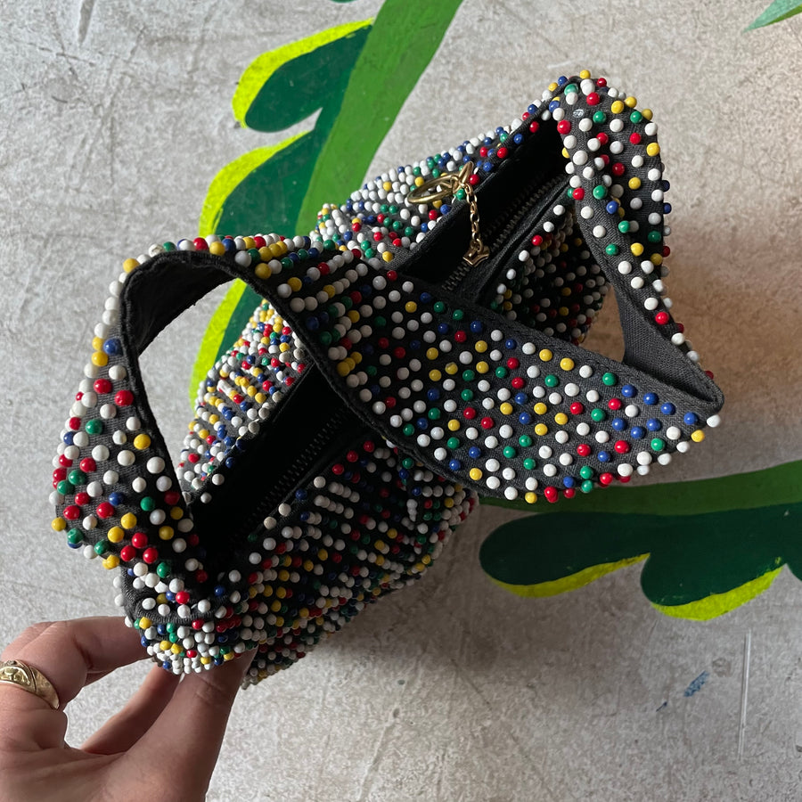 1940s primary beaded bag
