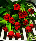 Beautifully Presented 12 Red Roses