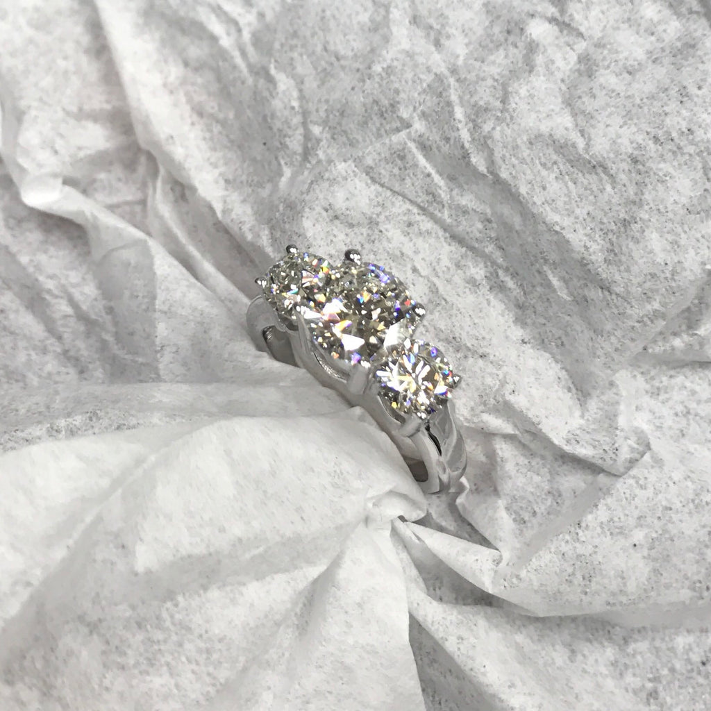 2.50ctw. Three Stone VS Diamond Engagement Ring