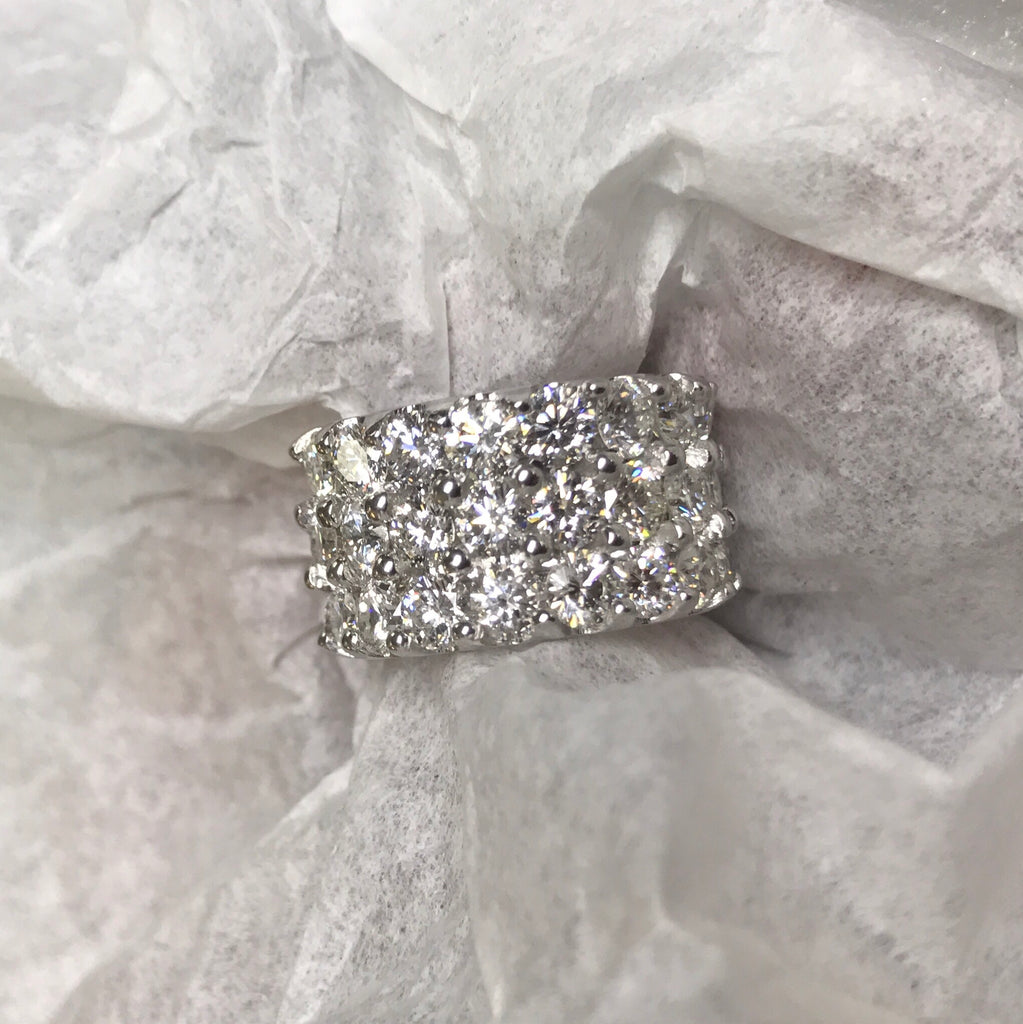 Three Row 20 Pointer VS Diamond Eternity Band