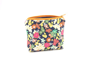 Bloom Essential Oil Bag, Travel Bag Set, Cosmetic Cotton Bag, Holiday Gift, Gift for Her - Petal and Stem