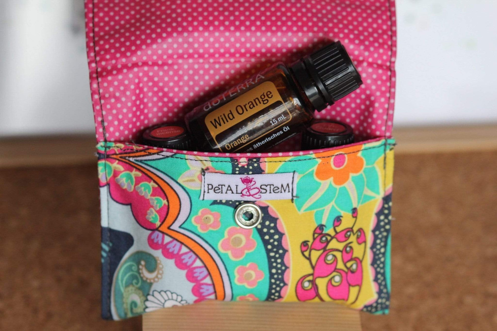 Essential Oil Bag (small) Brit Royal Pouch Travel Pouch - Holds your most important oils - Petal and Stem