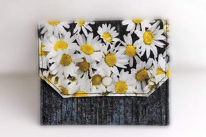 Essential Oil Bag (small) Chamomile Photography - Holds your most important oils - Petal and Stem