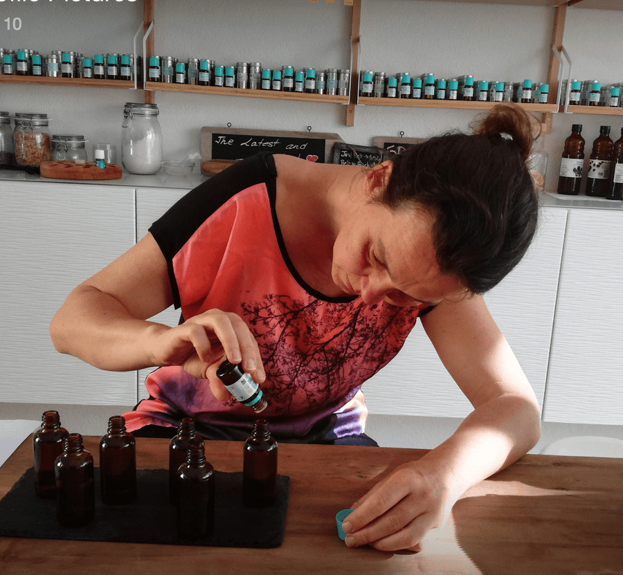 30 minutes follow up aromatherapy session with Katrin Birkholz Petal And Stem and Blend Precisely