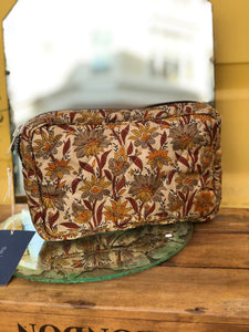 Makeup bag with chunky zip- Beige
