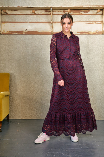Lace dress in burgundy and dark blue