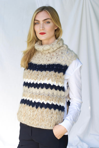 Thick knit sleeveless pullover