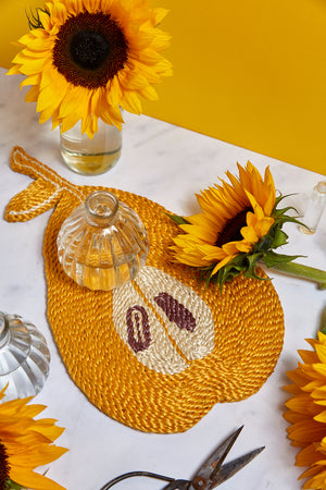 Pear placemat – Golden yellow