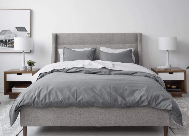 envello dark grey cotton Premium Percale duvet set on modern bed with two sidetables and bedside lamps