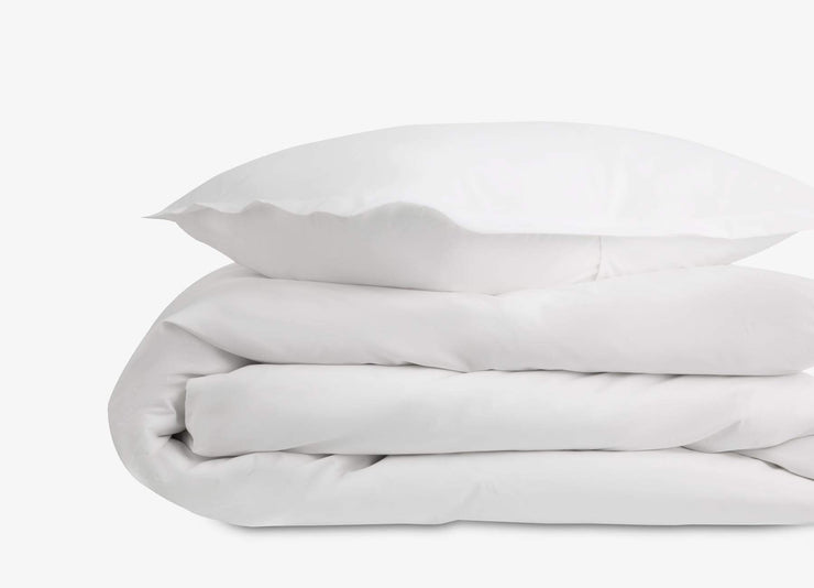 Close-up of envello white cotton Premium Percale duvet set