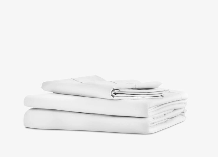 envello white cotton Premium Percale sheet set showing 1 flat and 1 fitted sheet plus 2 pillowcases