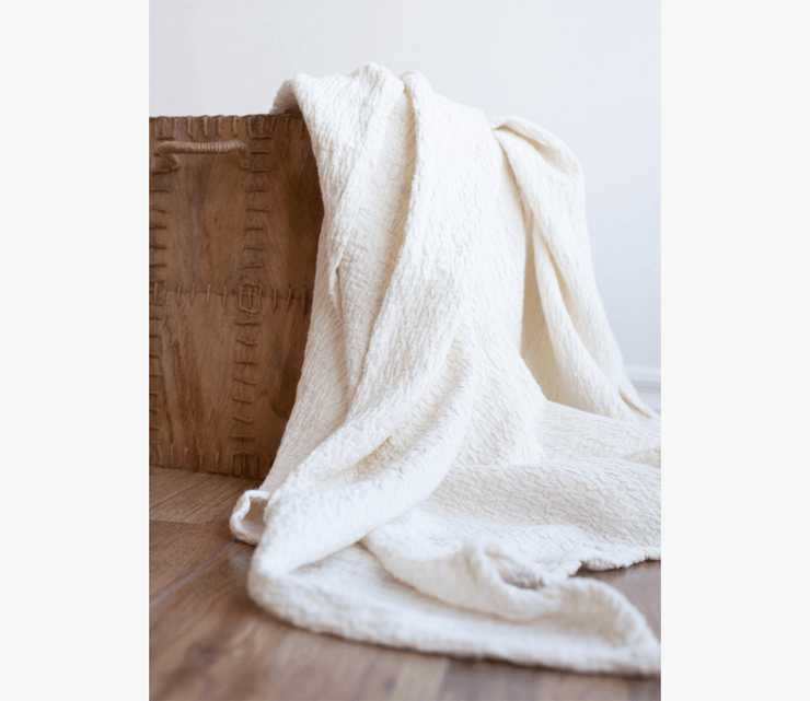 Sculpted Linen Throw - envello