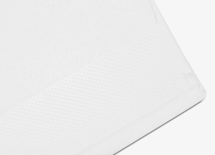 Detailed view of envello white cotton Washcloths