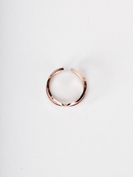 Kriss Kross Ring - Rose Gold