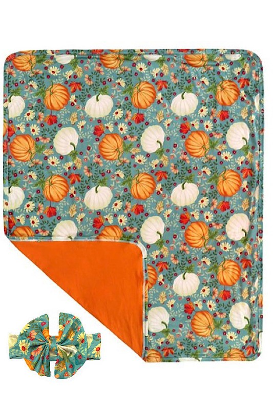 PUMPKIN PRINTED SWADDLE BLANKET WITH MATCHING HEADBAND.       (* 30 BY 35