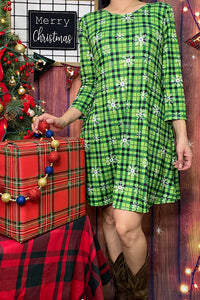 YMY6324 Green plaid long sleeve dress w/ snowflake print