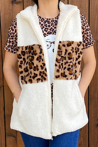 MM7800 White/leopard color block furry zip up vest w/pockets