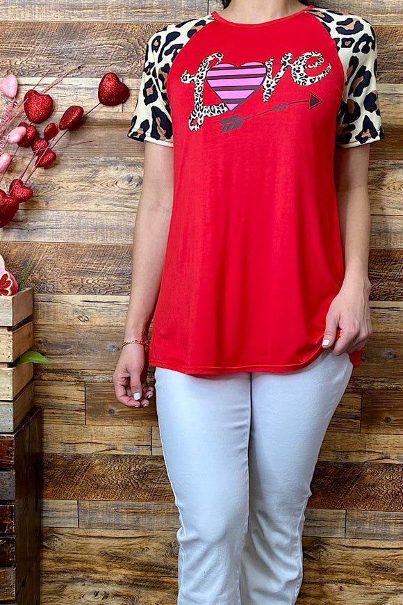 DLH8902 LOVE red t-shirt w short leopard sleeves