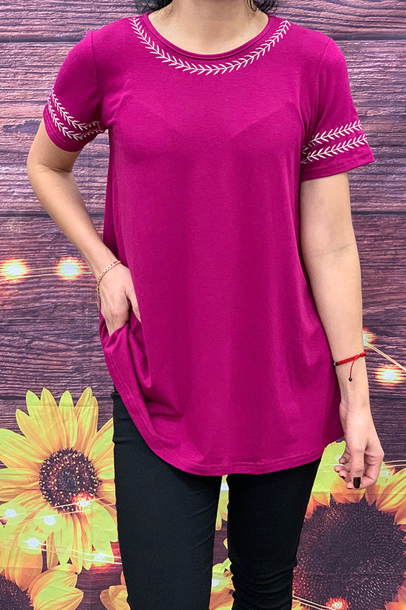 GJQ5379 short sleeves top with embroidered details