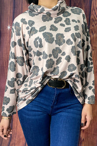 GJQ8149 Leopard printed pullover w/mock neck