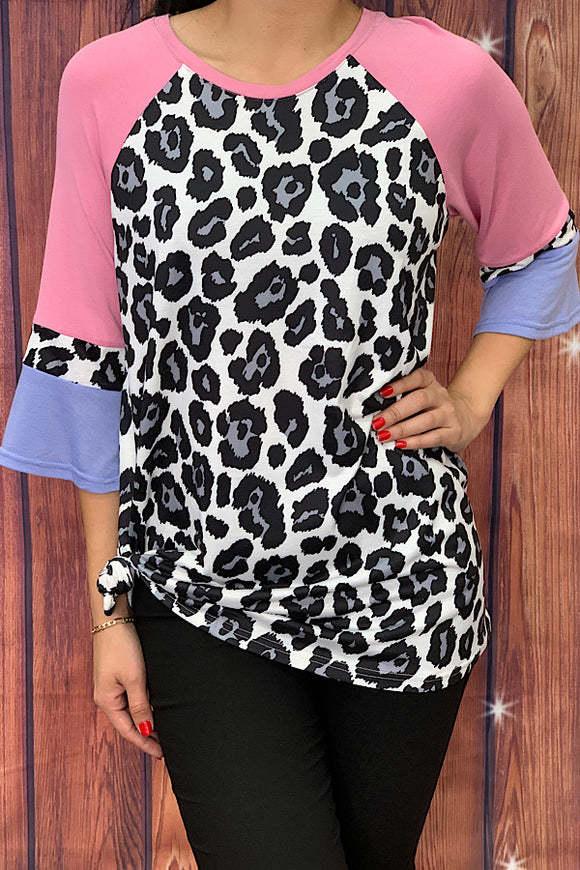 GJQ7425 Leopard printed top w/ color block 3/4 sleeves