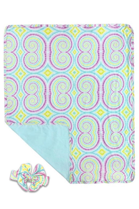 SWIRL  PRINTED SWADDLE BLANKET WITH MATCHING HEADBAND.      (* 30 BY 35