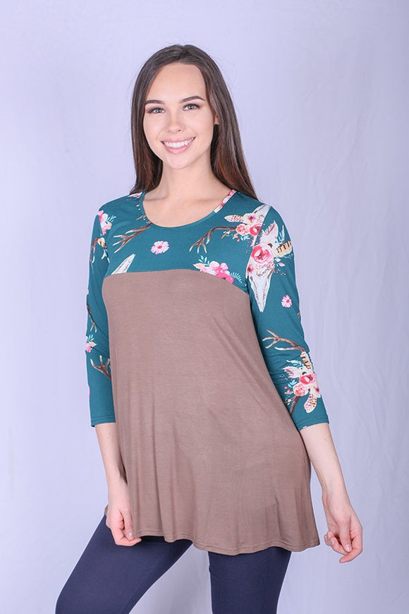 YMY4672 Color block bull printed top