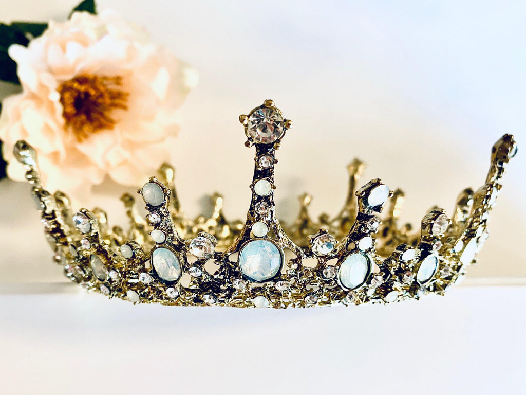 Emma Crown