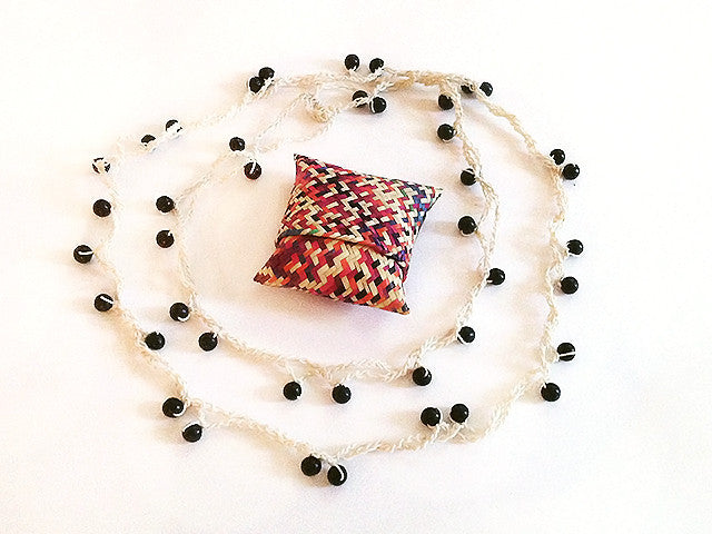 Colectivo 1050º Beaded Necklace   Blanco
