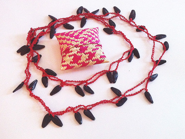 Colectivo 1050º Beaded Necklace   Red