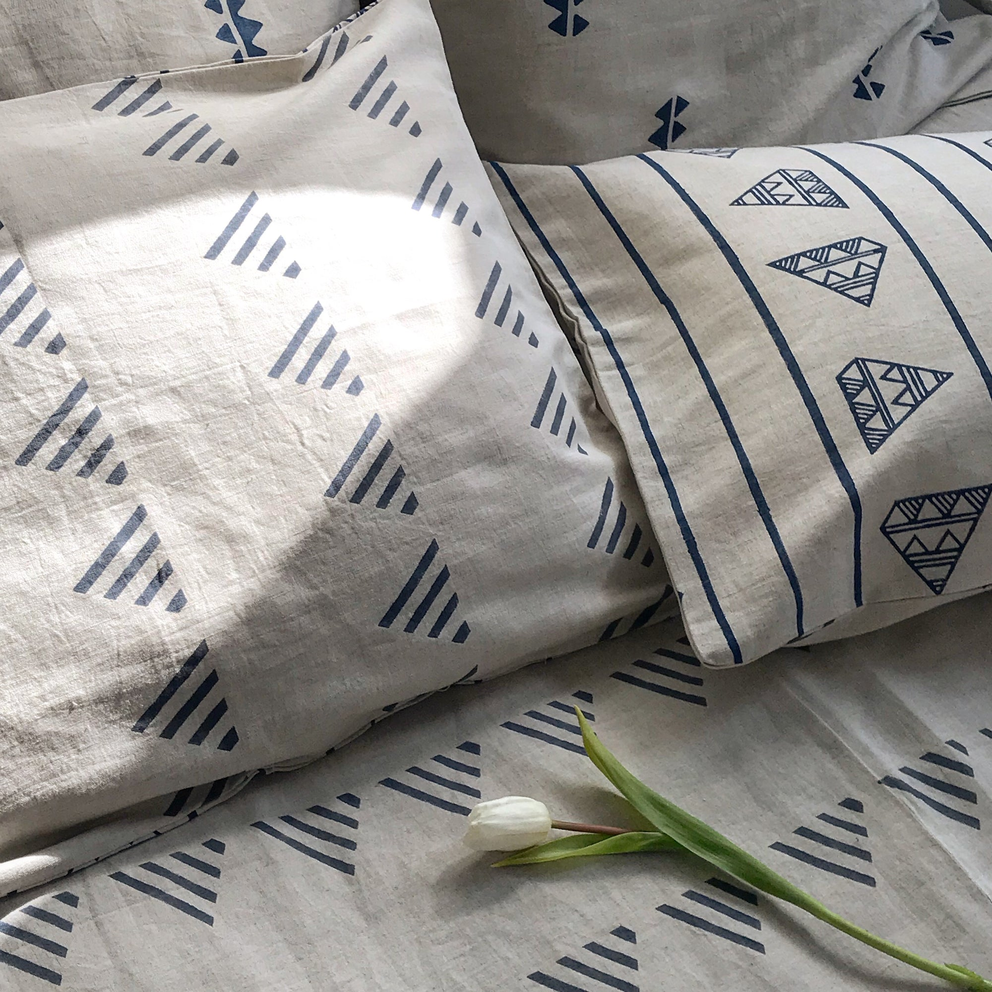 MATTER X Tilonia® Queen Duvet Set in Kangura in Grey & Blue