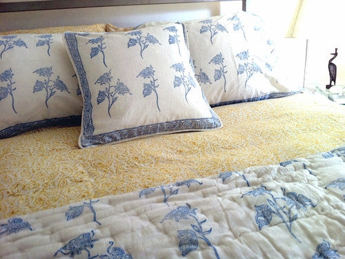 Tilonia® Home: Queen Duvet Set in Fancy Floral in Blueberry