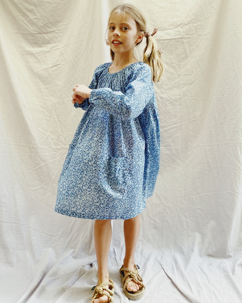 Olivia Dress in blue mini flower classic cotton - printebebe.com