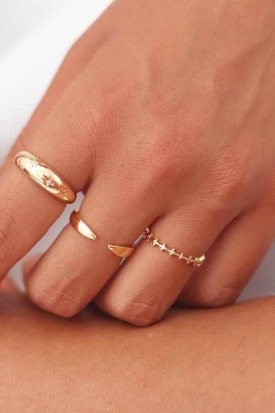 Gold Cuff Ring by Viviana D'Ontañón