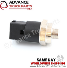 Load image into Gallery viewer, Volvo Truck 3962893 8156776 Oil Pressure Sensor