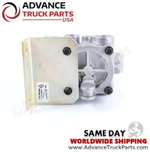 Load image into Gallery viewer, 5040-111-01C Freightliner Paccar Lift Axle Control Valve W072127