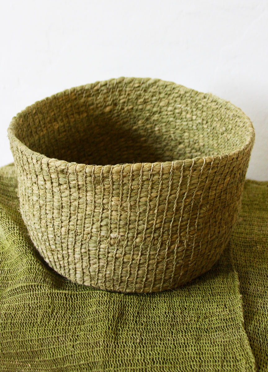Chaguar Basket (6 inches deep) - Dyed with Palo Santo Leaves - Natural Light Green