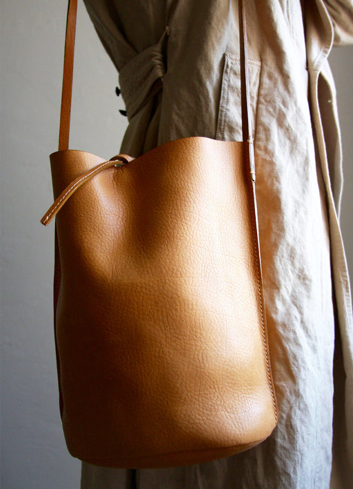 Nuraxi Crossbody Bucket Bag in Camel Vegetable Tanned