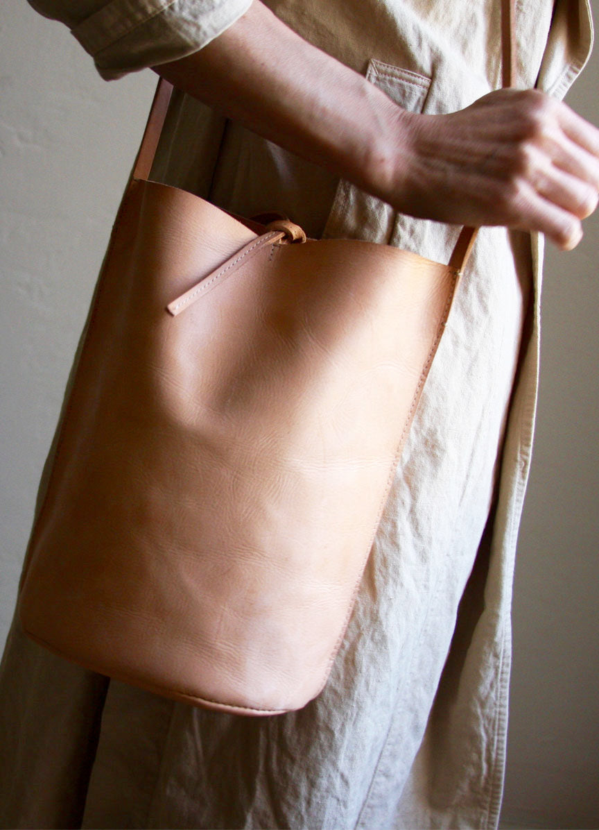 Nuraxi Crossbody Leather Bag in Nude Vegetable Tanned