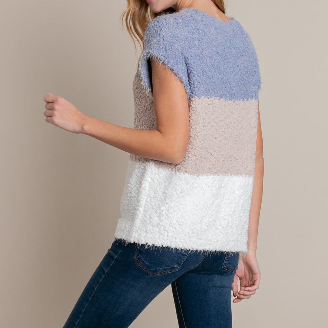 LACY'S SLEEVELESS COLOR BLOCK SWEATER