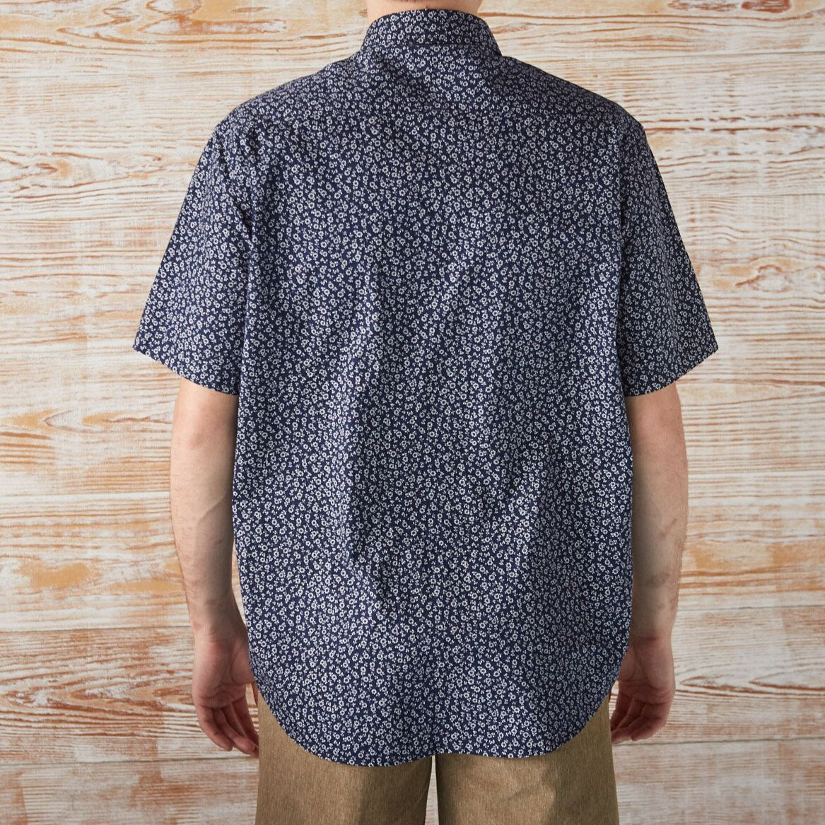BUTTON-DOWN-FOR-ANYTHING DAISY SHORT-SLEEVE SHIRT