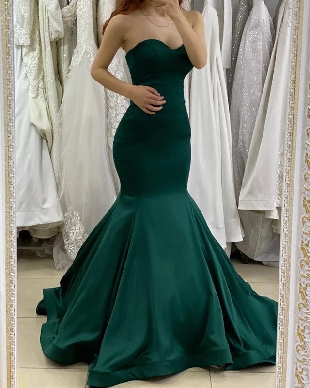 Sweetheart Mermaid Long Sleeveless Green Prom Dresses