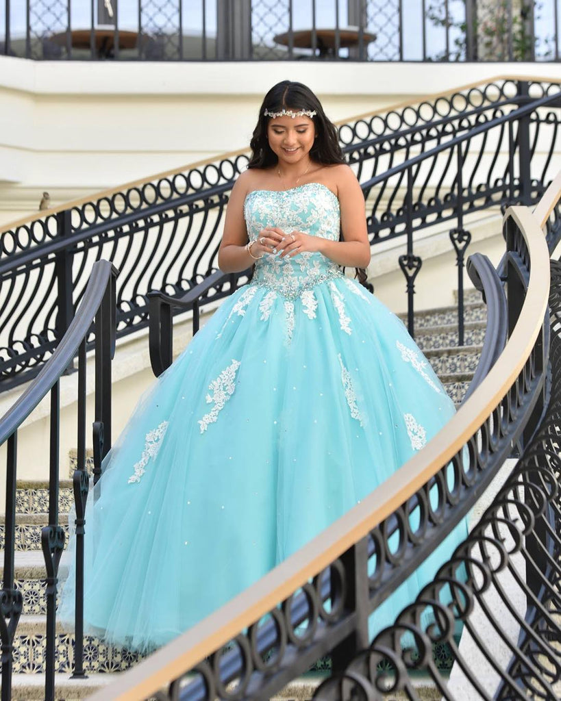 Lace Quinceanera Dresses