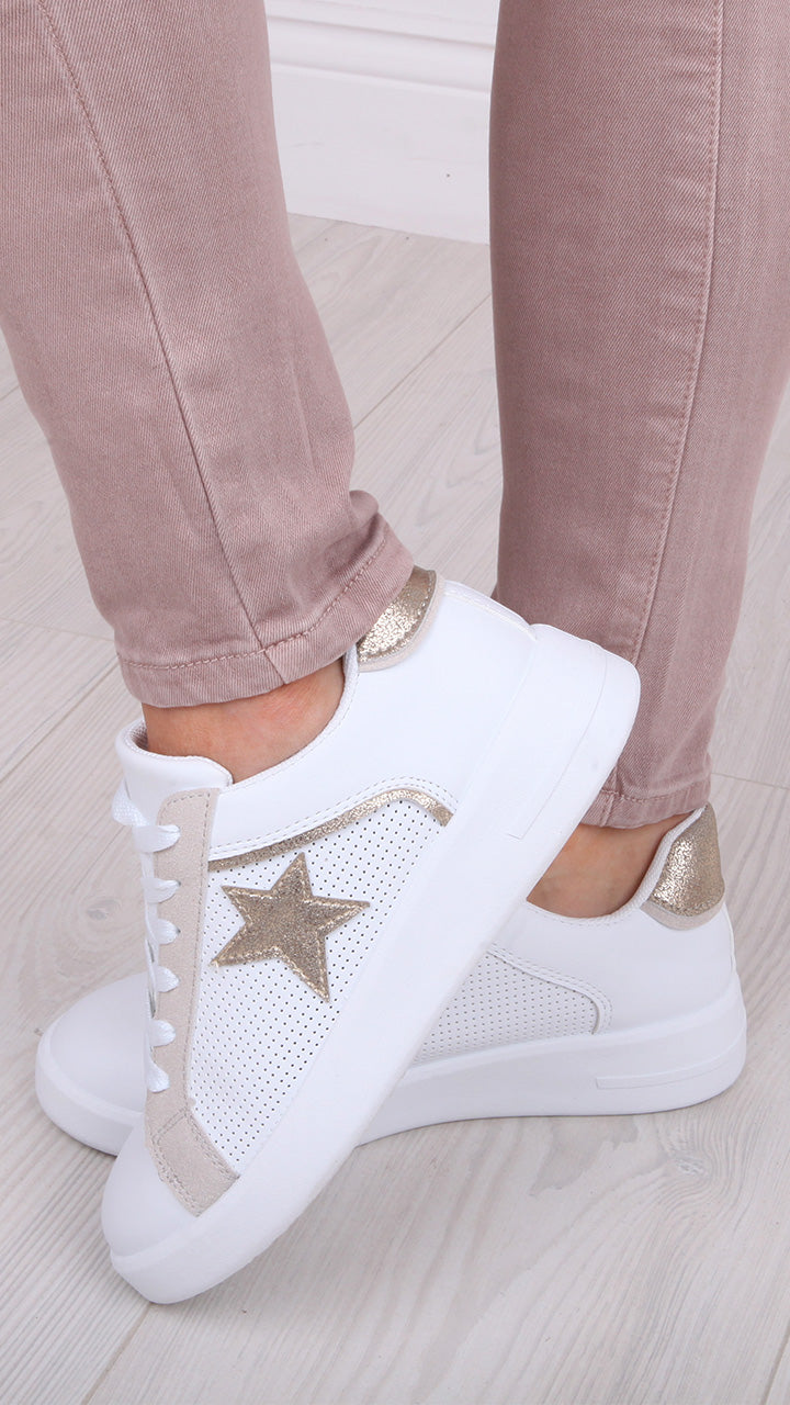 Anya Star Trainers in Gold