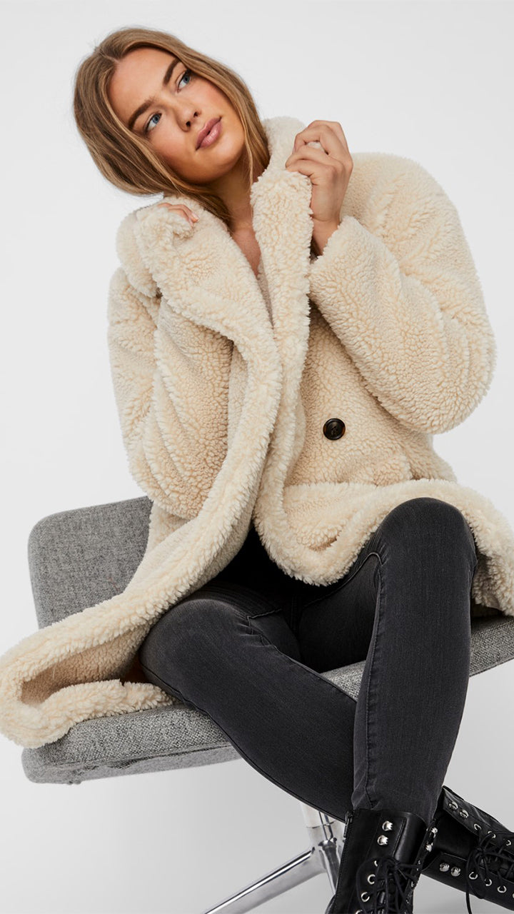 Lynne Teddy Coat by Vero Moda in Oatmeal