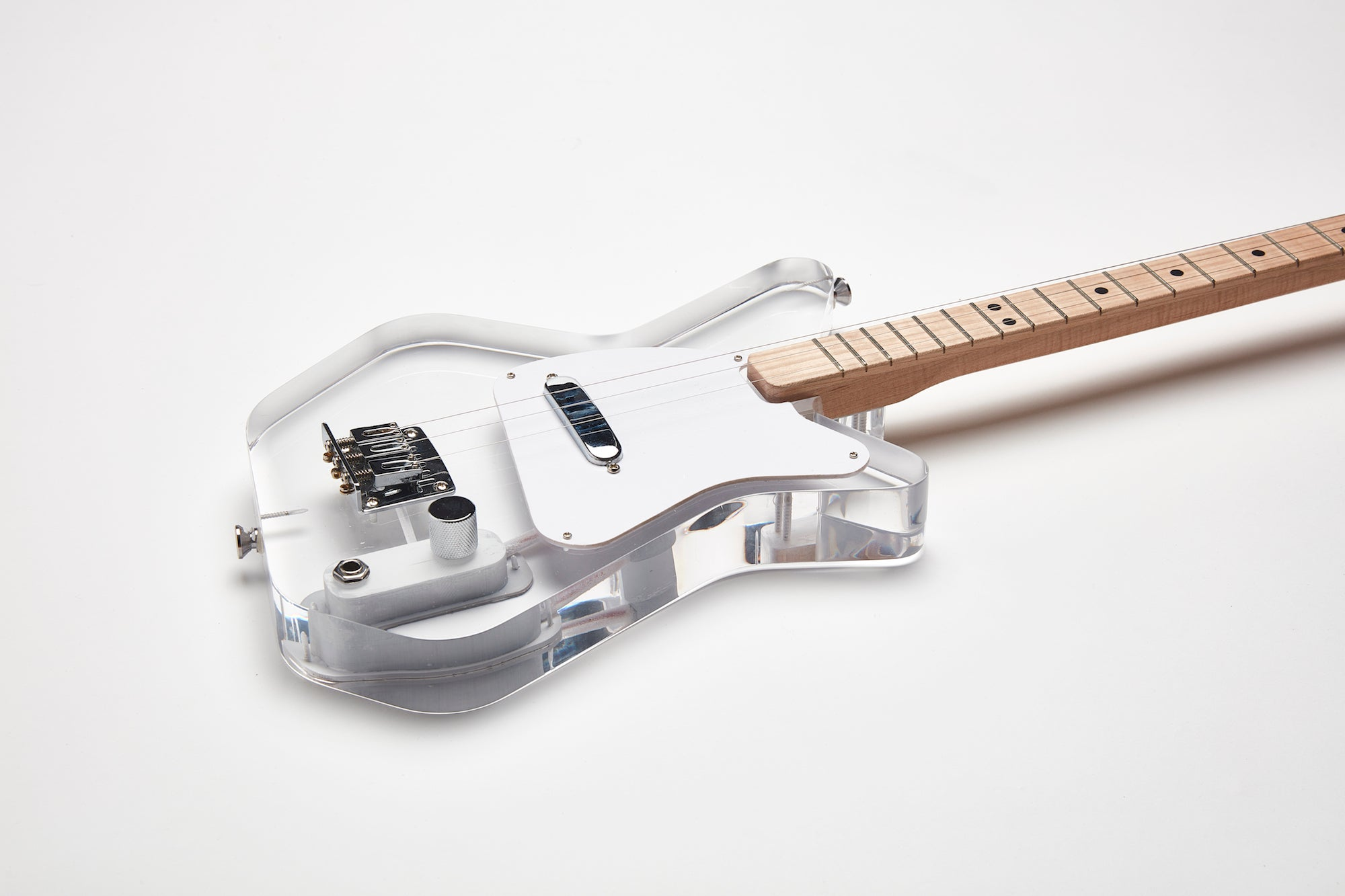 Loog Pro Electric guitar for kids - Lucite Acrylic Transparent - Detail